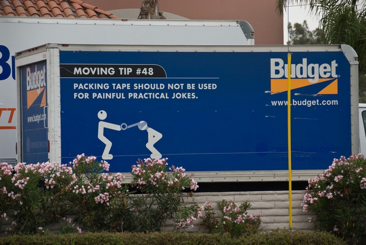 31 Funny Truck Signs - That's a good tip!