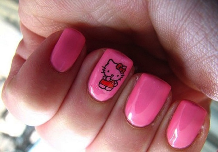 14 Hello Kitty Nails - Hot pink Hello Kitty nails.
