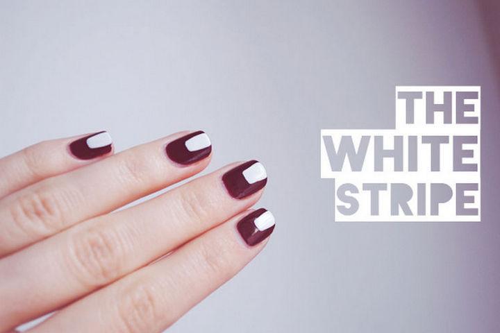 17 Minimalist Nails - The white stripe.