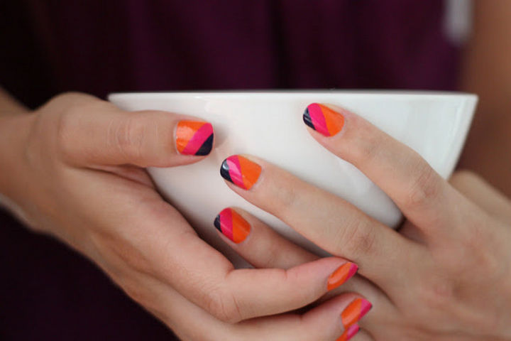18 Striped DIY Nail Designs - Go bold with thick summer stripes.