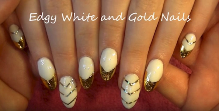 13 Black and White Nails - Use nail foil for shimmering nails.