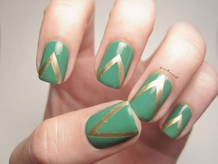 18 Green Manicures - Green geometric nail art design.