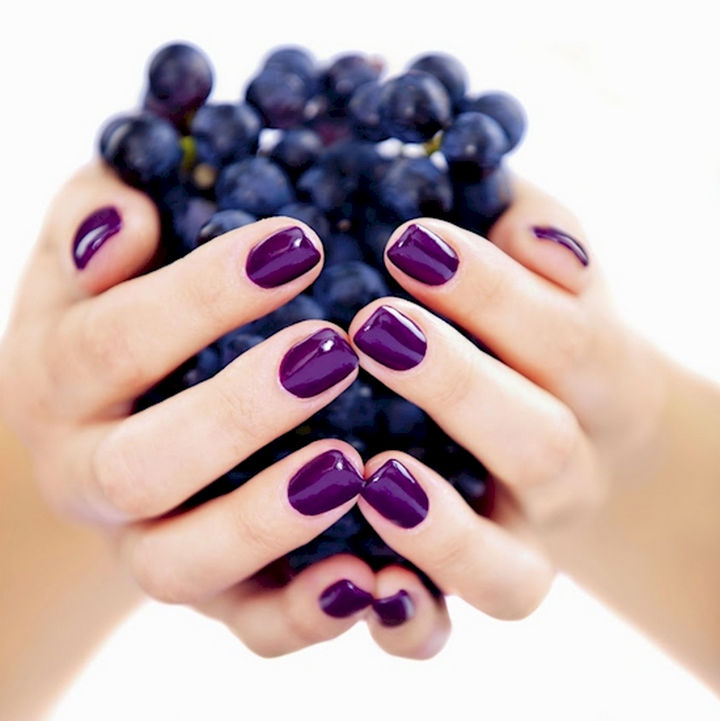 18 Purple Nail Art Designs - Perfect nails that are simple and luxurious.
