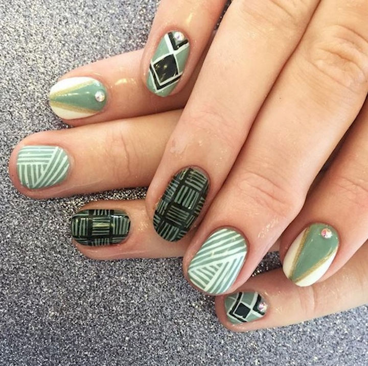 18 Beautiful Green Nails for Fall - Why go plain when you can unleash your creativity and create a fun look?