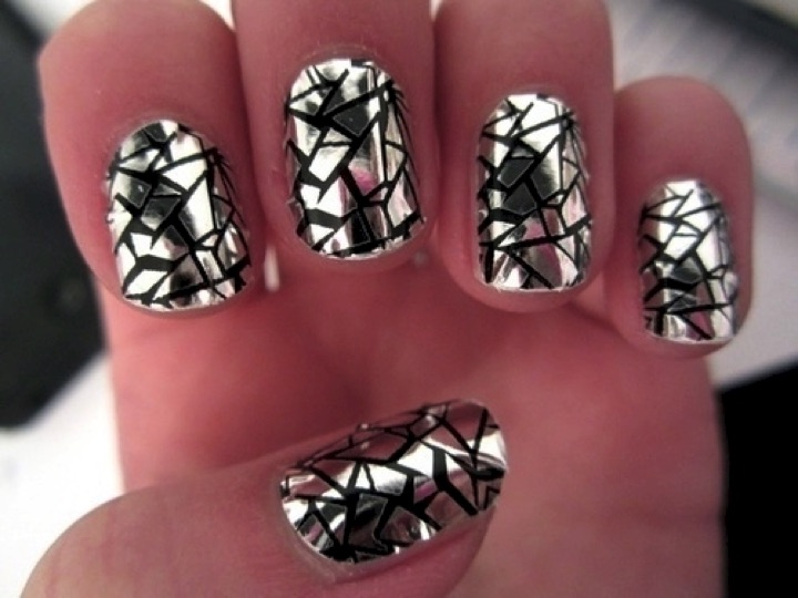 20 Metallic Nails - Awesome broken glass effect.