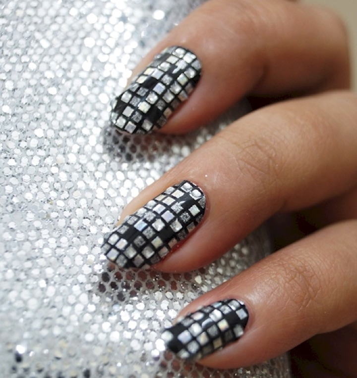 20 Metallic Nails - Disco ball inspired nails.