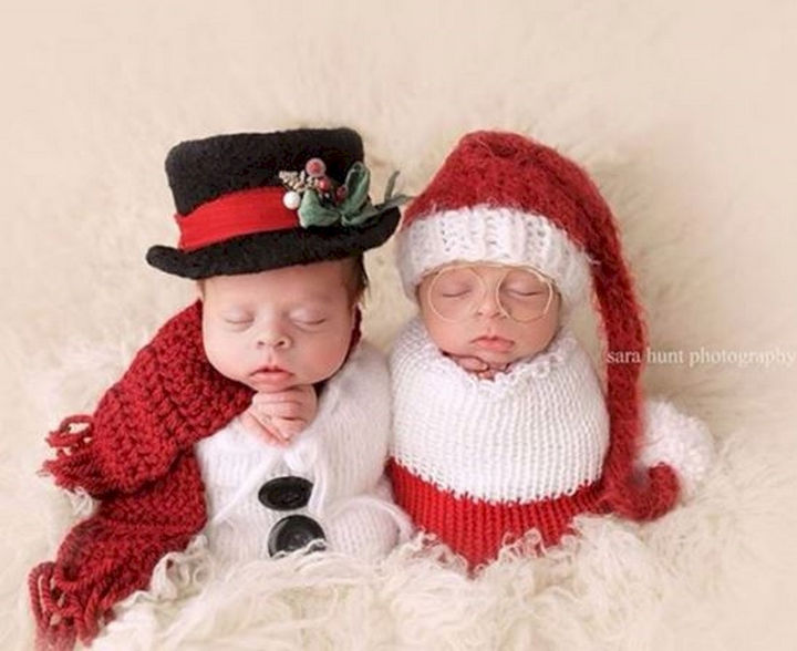 13 Cute Babies Wearing Christmas Outfits - One word: Adorable!