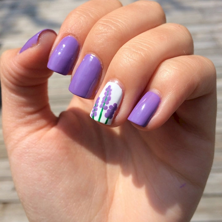 22 Purple Nail Designs - Don't you lilac it? :) A beautiful accent nail with hyacinth blossoms.