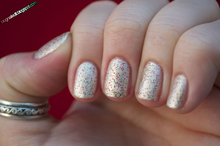 23 Christmas Nails - Christmas nails with holiday sprinkles.