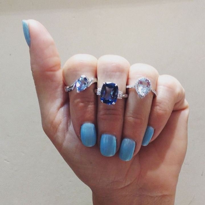 18 Ice Blue Nails - Blue nails with plenty of bling.