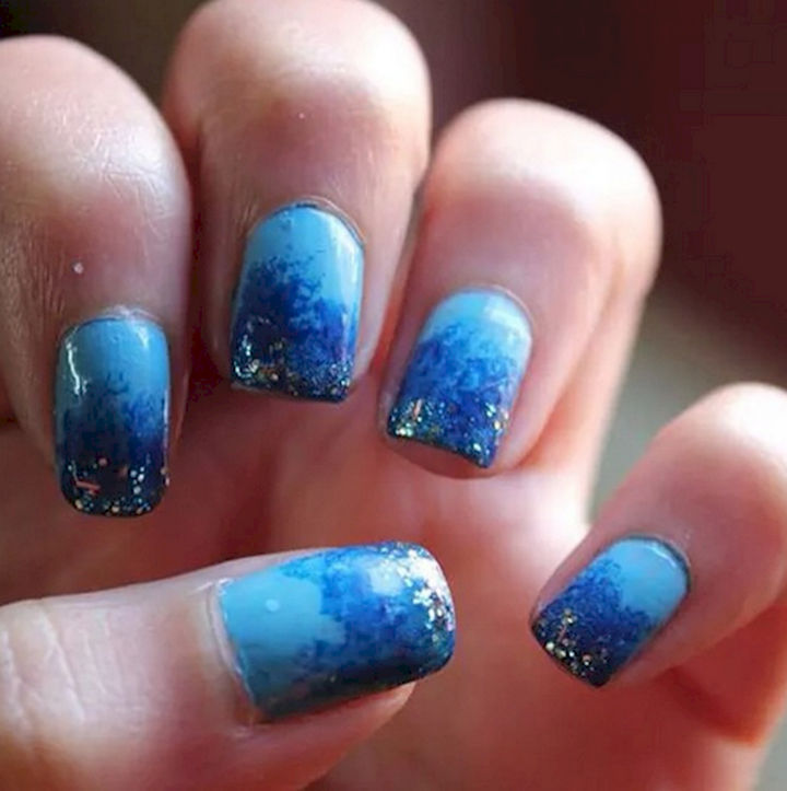 18 Ice Blue Nails - As pretty as a starry winter's night.