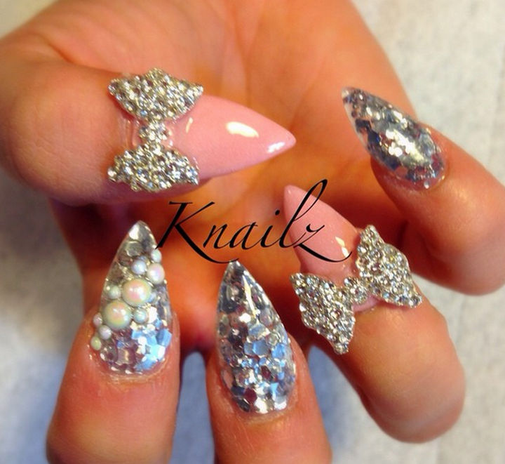 39 Winter Nails - Twinkling ice nails.