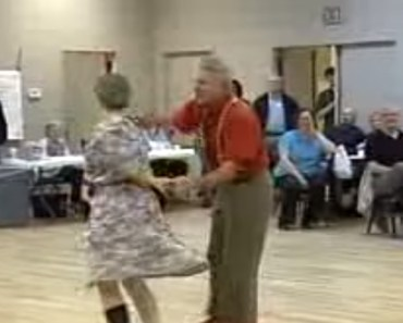 Pete & Beulah Mae Performing an Hilarious Comedy Dance.