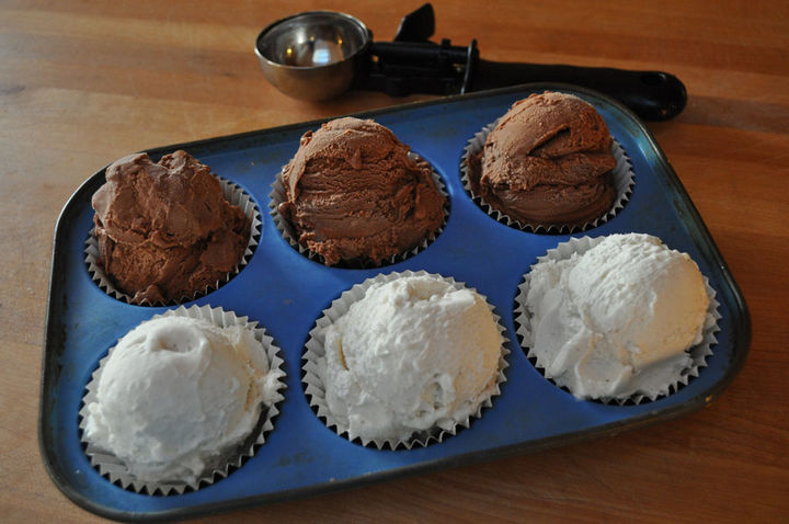 13+ Muffin Pan Hacks - Make a sundae bar.