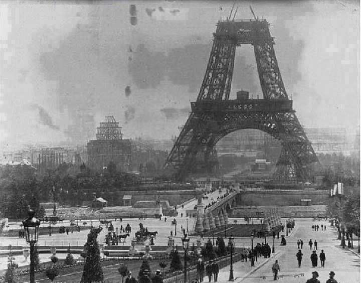 35 Rare Historical Photos - 1888: A rare photo of the Eiffel Tower under construction.