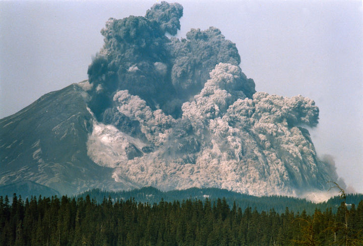 35 Rare Historical Photos - May 18, 1980: The eruption and catastrophic collapse of the north face of Mount St. Helens. It was photographed by Gary Rosenquist, 11 miles northeast at Bear Meadow.