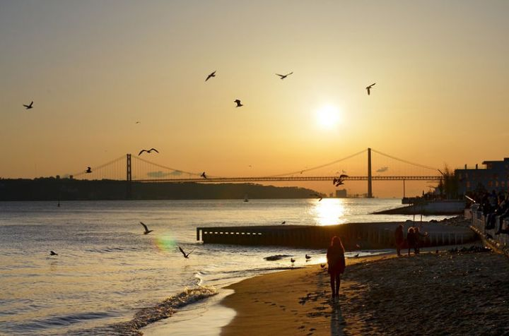 Best Holiday Destinations 2019: Lisbon, Portugal 03.