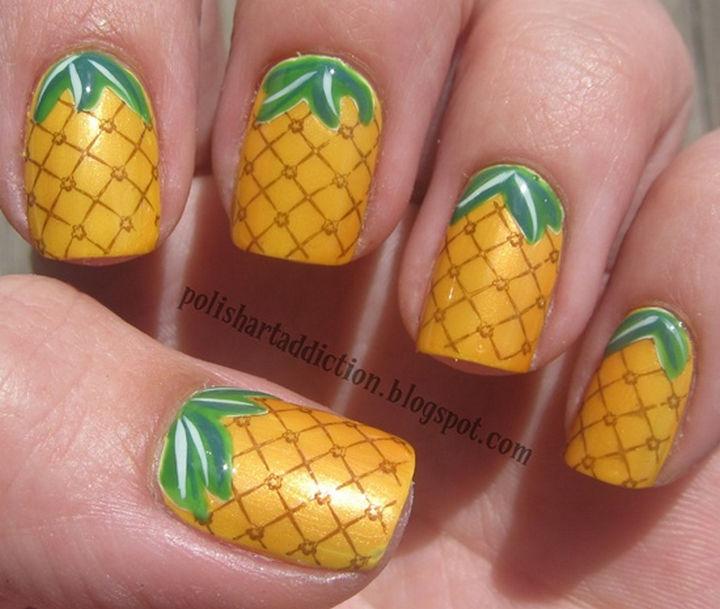 17 Fruit Nails - Impressive pineapple nails.