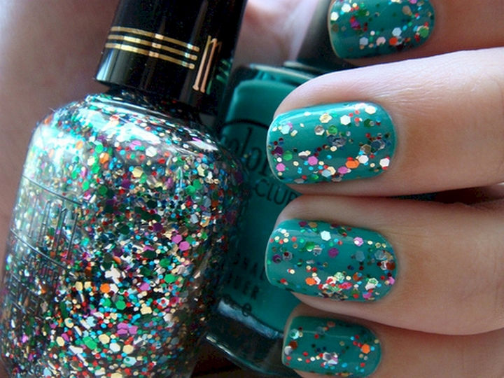 13 Nail Hacks for Salon-Quality Manicures - Properly apply chunky glitter polish by dabbing first.