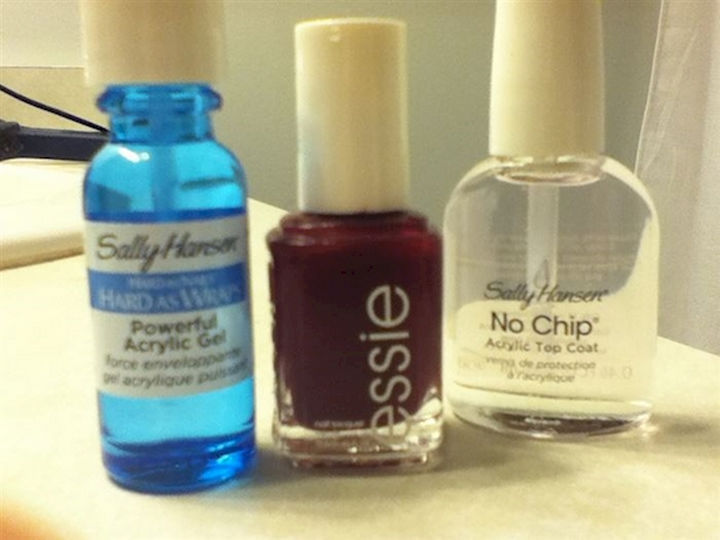 13 Nail Hacks for Salon-Quality Manicures - Get a shellac manicure without using shellac.