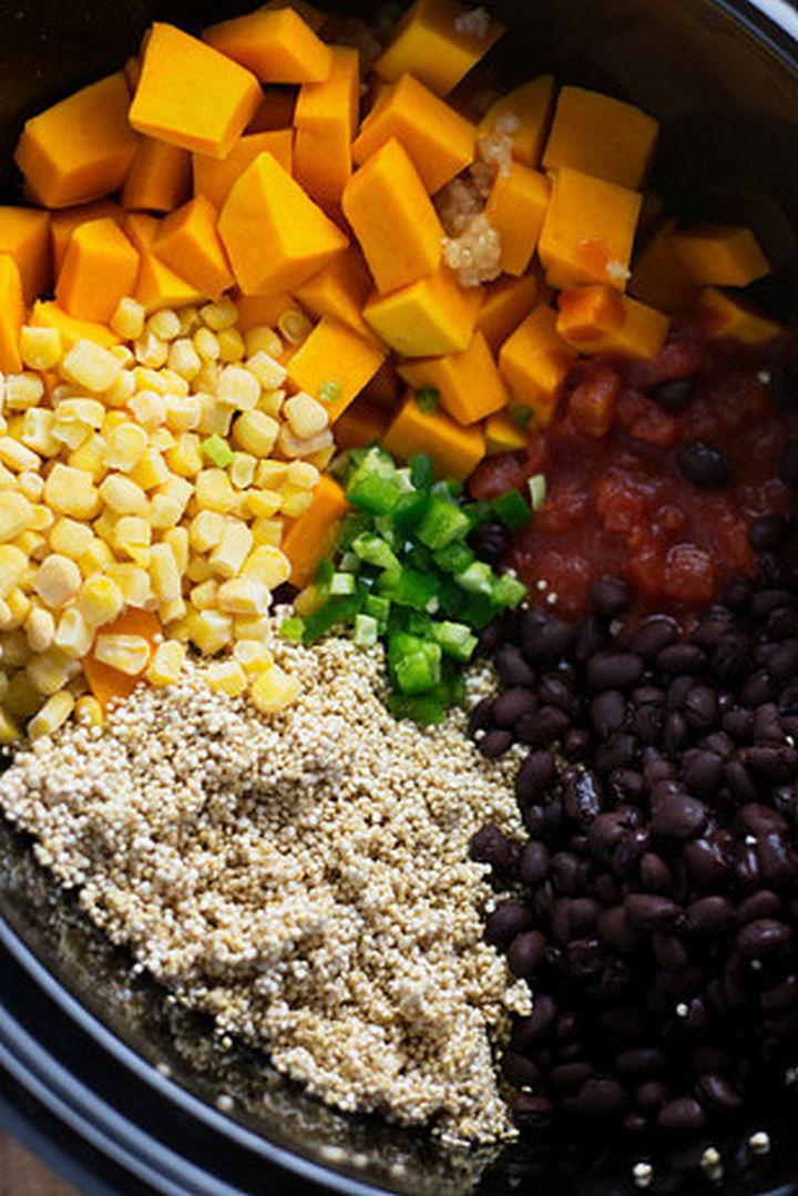 26 Crock Pot Dump Meals - Slow cookerMexican quinoa.