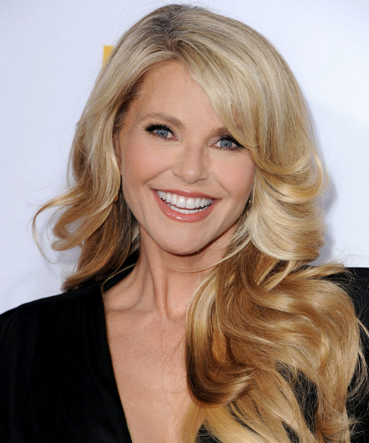 Christie Brinkley is probably one of the most popular models ever and she's practically ageless. She looks incredible at 62 and her daughter inherited her famous mother's good looks.