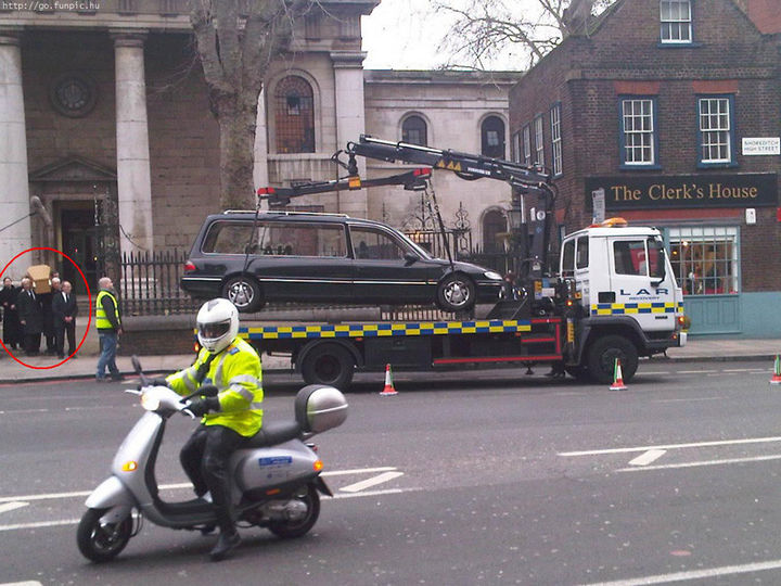 """19 Bad Parking Fails - When they say """"no parking"""" in London, they really, REALLY mean it."""