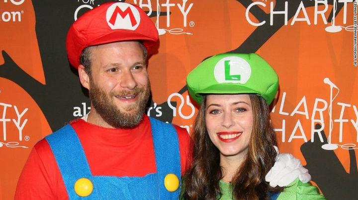 23 Super Mario and Luigi Costumes - Seth Rogen and Lauren Miller looking great as Super Mario and Luigi.