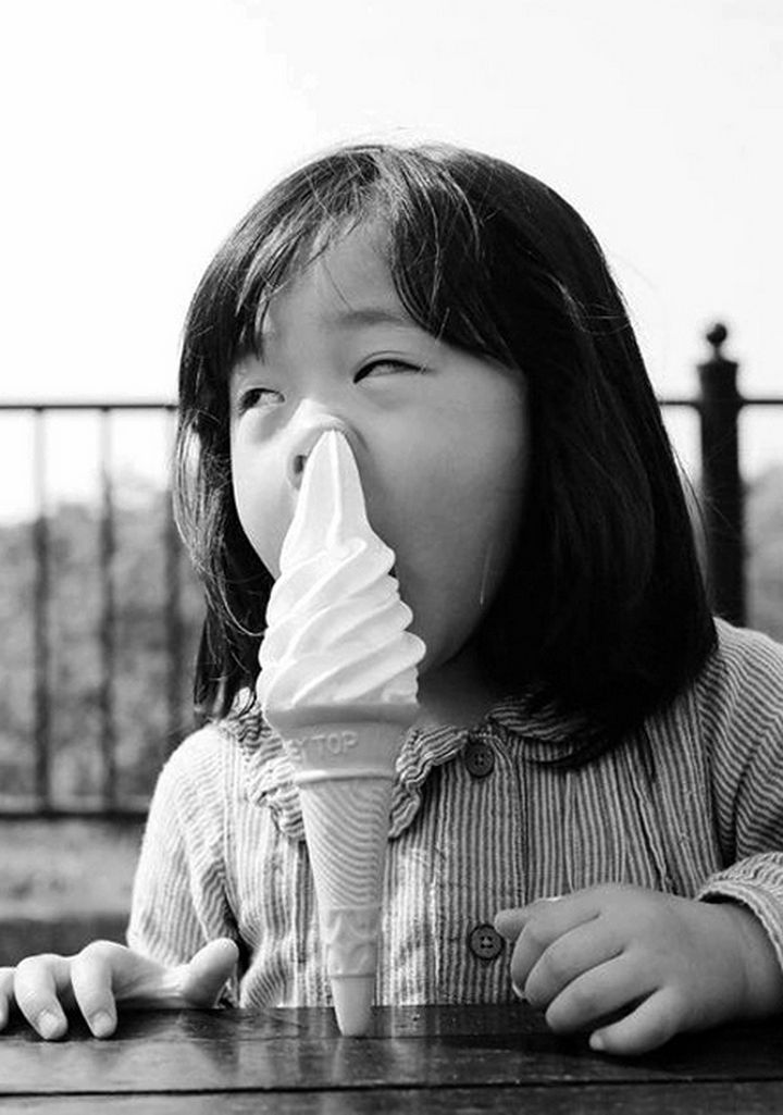 30 Reasons Why Kids Are the Worst - They have trouble getting food into their mouth.