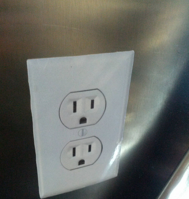 23 Evil Geniuses Who Just Want to Watch the World Burn - An evil genius decided to put an electrical outlet sticker at an airport. No phone charging for you!