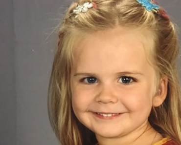 3-Year-Old Girl Dresses up as Superman for Her School Picture.