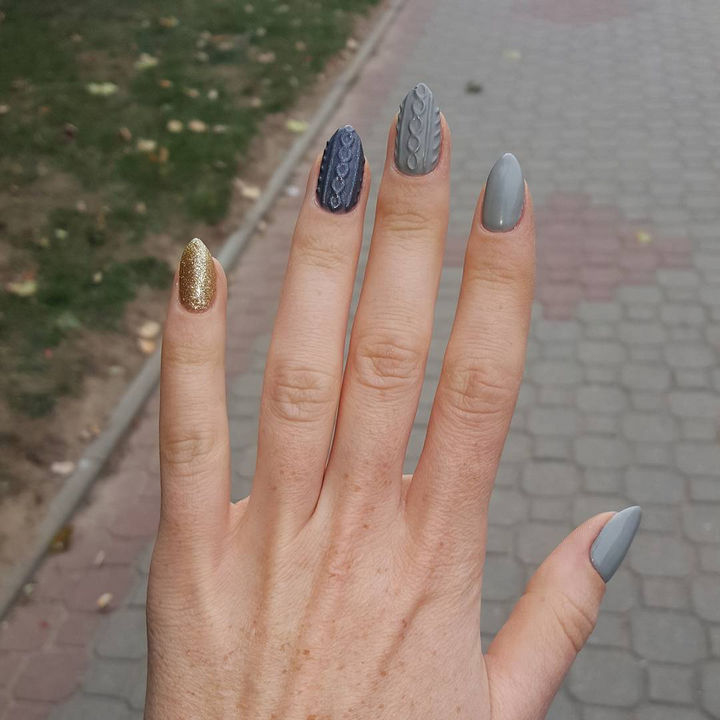 10 Winter Sweater Nails - Variety is key with these pretty winter sweater nails.