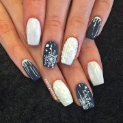 beautiful winter sweater nails