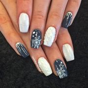 beautiful winter sweater nail