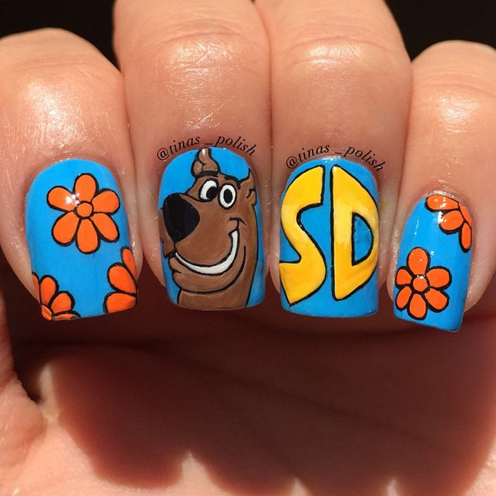 19 Cartoon Nail Art Designs - Scooby-Doo cartoon nails that are old-school cool. Awesome sauce!
