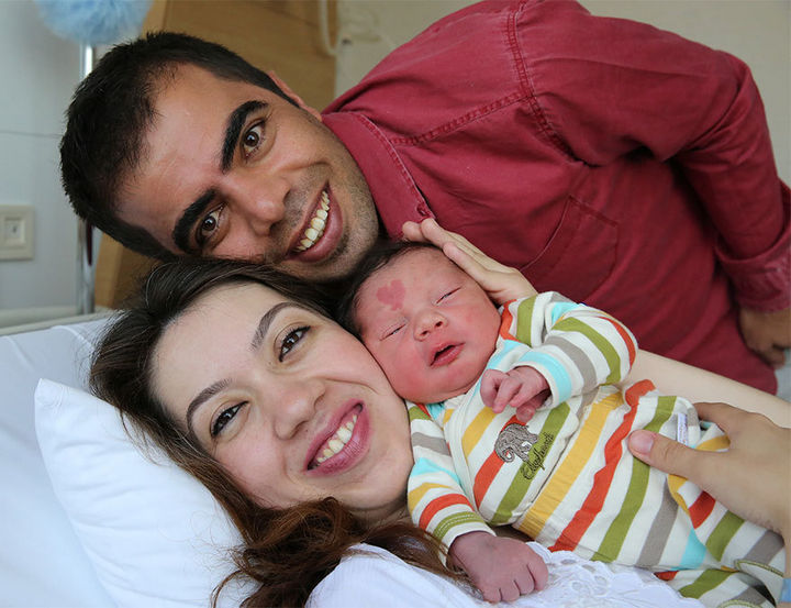 Turkish couple Murat Engin and his wife Ceyda welcomed baby Çina who was born with a special and unique heart-shaped birthmark.