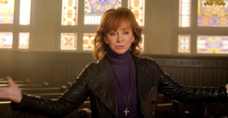"""Reba McEntire Inspires With New Hit Single """"Back to God."""""""