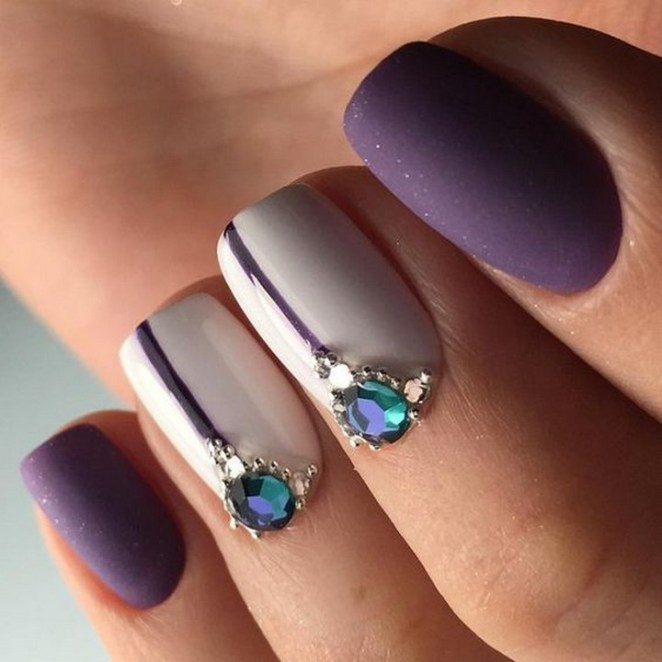 17 Chrome Nails - Simplicity and elegance.