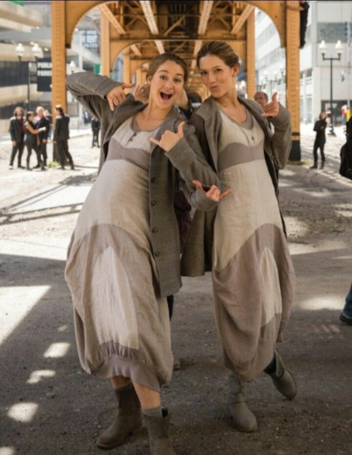 19 Famous Actors and Their Stunt Doubles - Shailene Woodley.