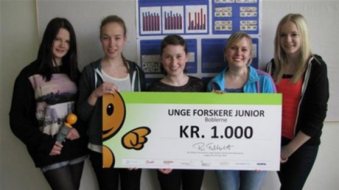 "The high school students received an award of 1.000 Danish Krones for their experiment at the regional ""Young Scientists"" competition."