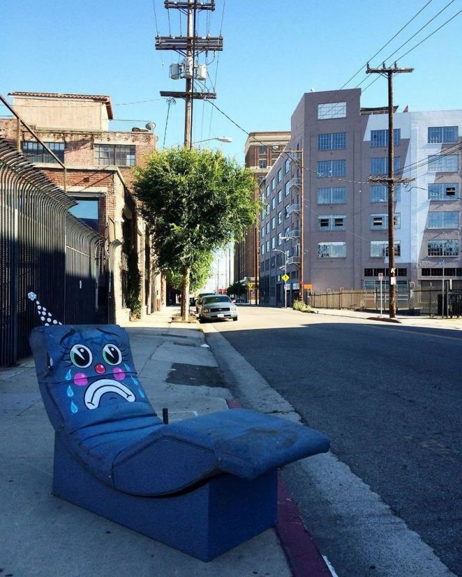 Sad salon chair.