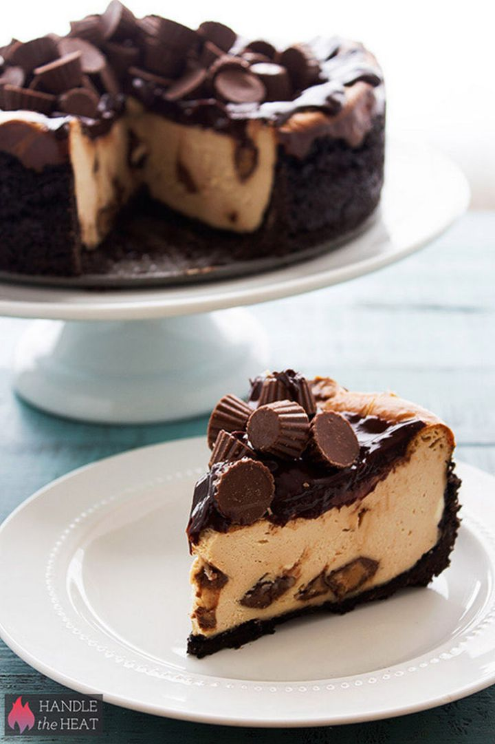 19 Delicious Cheesecake Recipes - Peanut Butter Cup Cheesecake.