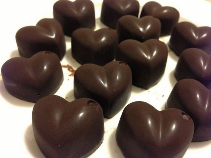 25 Facts About Chocolate - Chocolate is a natural painkiller.