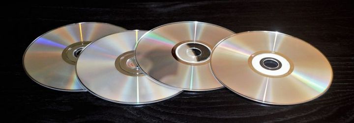 12 Peanut Butter Uses - Fix scratches on your CDs.