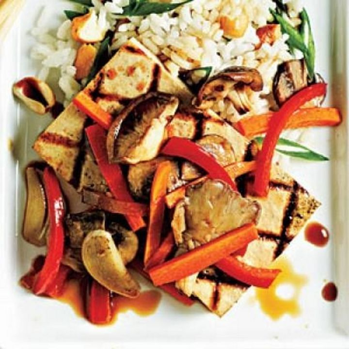 13 Delicious College Student Recipes - Tofu steaks with vegetables.