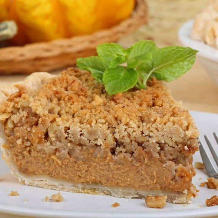 27 Pumpkin Pie Recipes - Streusel Pumpkin Pie.