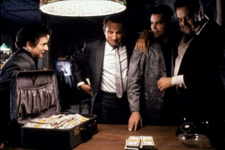 Robert De Niro wanted to use real money for the scene where Jimmy hands out money because he didn't like the way fake money felt in his hands. The prop master gave De Niro $5,000 of his own money. At the end of each take, no one was allowed to leave the set until all the money was returned and counted.