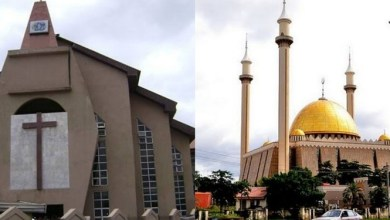 Photo of OMG: Lagos moves to stop Sunday church gatherings, Juma'at services.