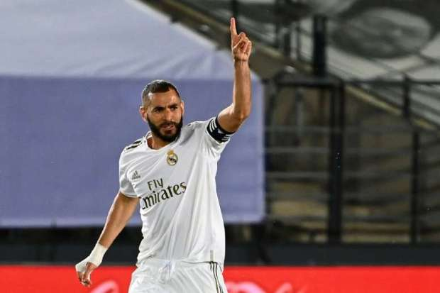 Juventus To Sign Benzema? It seems that the Frenchman would be willing to form an attacking pairing with the Portuguese again, although for now, he's holding out.