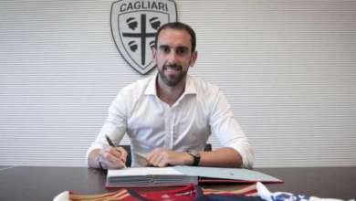 Photo of Diego Godín Signs For Cagliari.